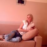 Blonde mature seule et disponible pour un plan cam